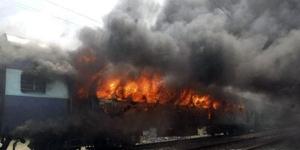 Lokomotif Langsir di Semarang Terbakar