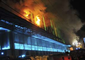 kebakaranmedandalam-(reuters)