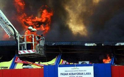 gambar_orang_ramayana_terbakar
