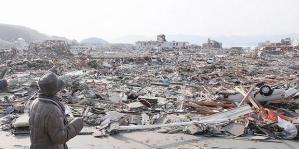 perempuan_tsunami_jepang_11_3_11