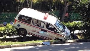 ambulan_terperosok