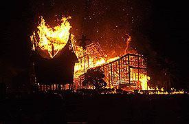 istana_baso_terbakar