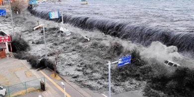 gelombang_besar_tsunami_jepang_11_maret_2011