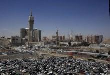 mekkah_dikelilingi_crane